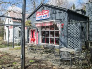 Yum Yum Sweet Shop in Peninsula
